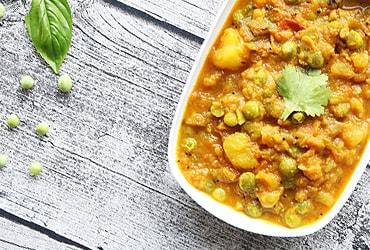 g1-kartoffel-erbsen-curry-koestliche-rezepte-fuer-ayurveda-kueche